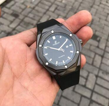 Часы HUBLOT Отлично смотрятся на руке с классикой и для