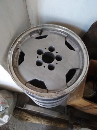 диски мерседес r15 в Кыргызстан: Продаю диски на Мерседес 124, R15, разболтовка 5*112. Комплект 4шт