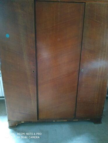 Продается шкаф платьяной (раритет), трехстворчатый, коричневого цвета