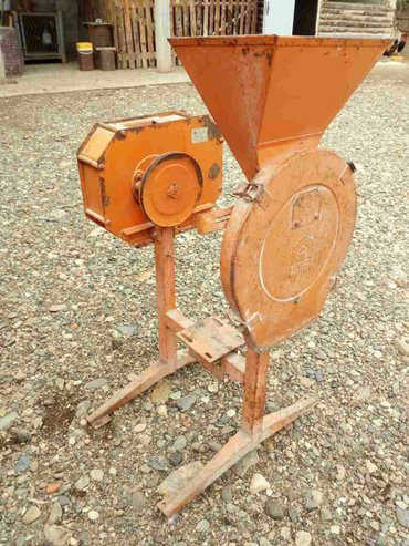 Krunjac - Srbija: Mlin i krunjac, malo radio, dobro očuvan, bez motora