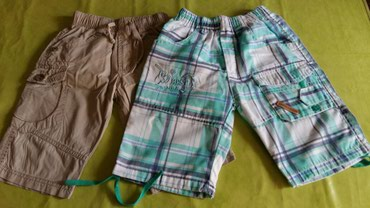 Kratke pantalone za dečake od 4god.(polovne i očuvane).Oba para za