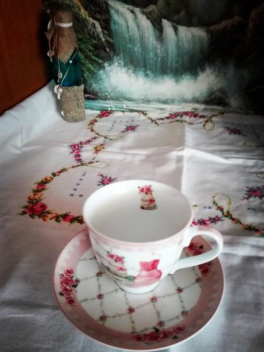 Vintage embroidery tablecloth  beautiful colorful roses σε Ανατολική Θεσσαλονίκη