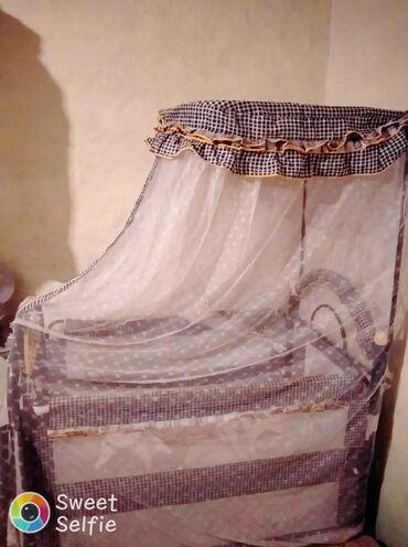 Kravat satilir usaq ucun 120 manata goy reng usaq 2 defe yatib cemi