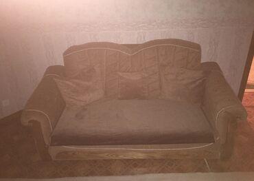 Срочно продаю диванВ хорошем состоянии,пользовались 3