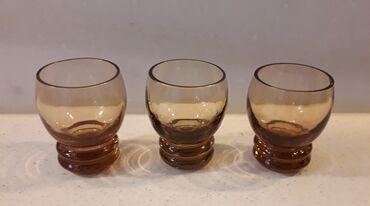 2 παλιά ποτηράκια του λικέρ   Το τρίτο ποτηράκι δίνεται χωρίς χρέωση
