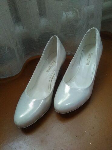 10537 объявлений: Продаю очень удобные, красивые свадебные туфли. 37 размер большемерит