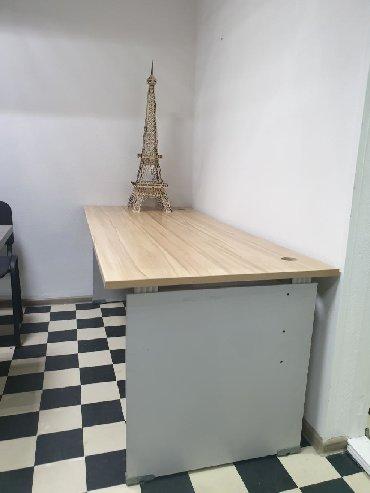 Офисный стол.1шт.В хорошем состоянии. Самовывоз.180см×80см.Большой