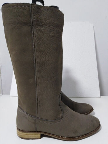 Sivi broj - Srbija: ZARA kožne čizme prirodna vrhunska box deblja a mekana koža.boja kao