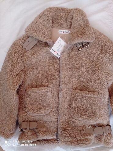вешалка для верхней одежды бишкек в Кыргызстан: Одевала только один раз Цена : 1800 Покупала за 3000