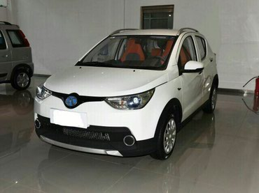 Электромобиль производства КНР BAIC EV в Бишкек