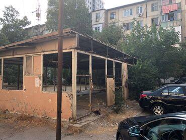 Obyekt qeyri-yaşayış binasıdır. Çıxarışı var, ərazi ətrafında boş
