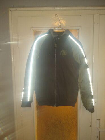 Dečija jesenja jakna 12 broj nošena je ali očuvana baš