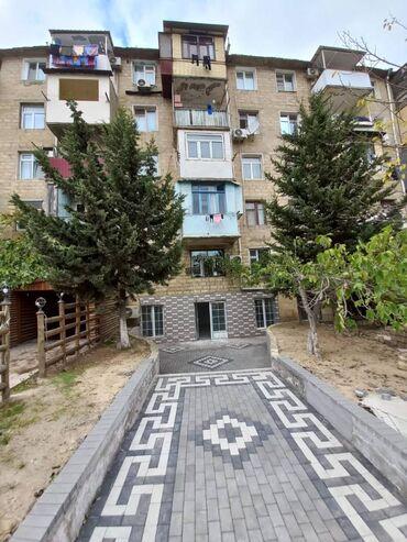 Nizami rayonu Qala restoranın yanında,229 nömrəli məktəblə üzbəüz,ümum