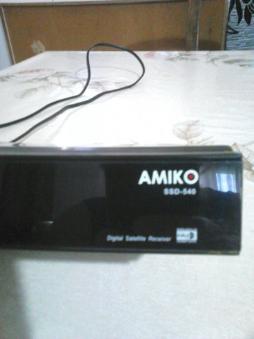 Digitalni satelite resiver AMIKO. Nema daljinski. Resiver ne ispitan n