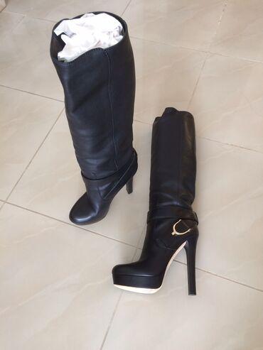 Γνήσιες μπότες Gucci .Έχουν φορεθεί δυο φορές είναι σε άψογη κατάστα