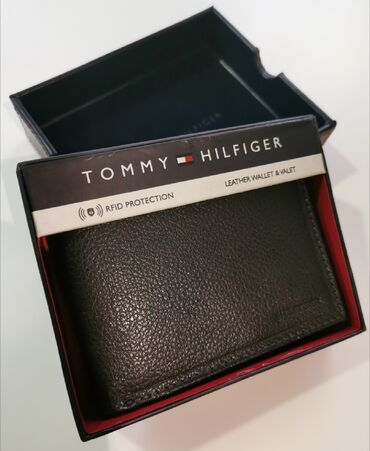 Kozni novcanici - Srbija: Tommy Hilfiger muski kozni novcanik crni 3Nov, original. Od prave koze