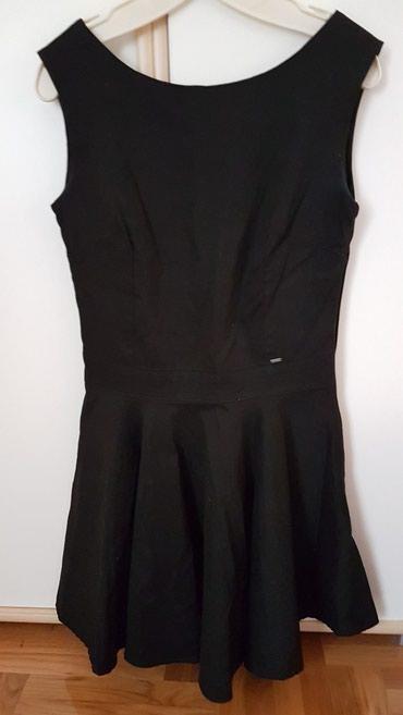 Crna sirena haljina - Srbija: Crna haljinica, blago se siri donji deo, par puta nosena, veoma