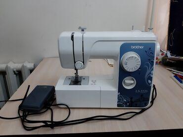 Продаю швейную машинку не пользовалась вообще. Состояние отличное