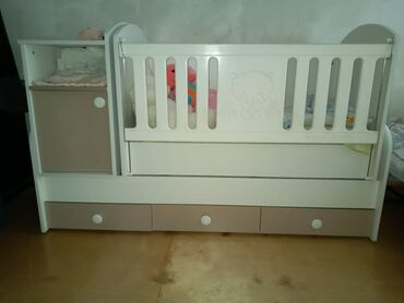 Baby roomdan alinib 350azn.Usag boyuyende acilir kravat da