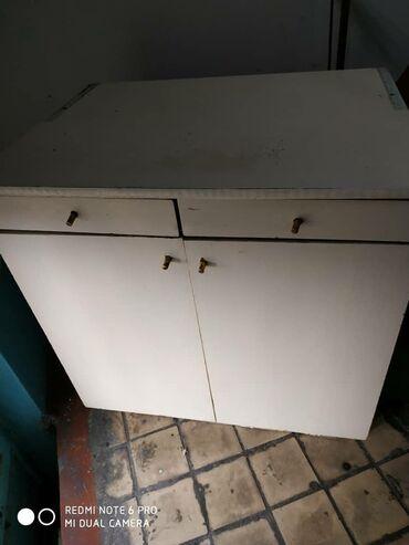 Продаю посудный шкафчик в хорошем состоянии звоните по номеру