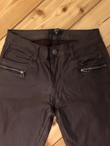 New york - Srbija: New Yorker pantalone od eko kože, veličina je 36