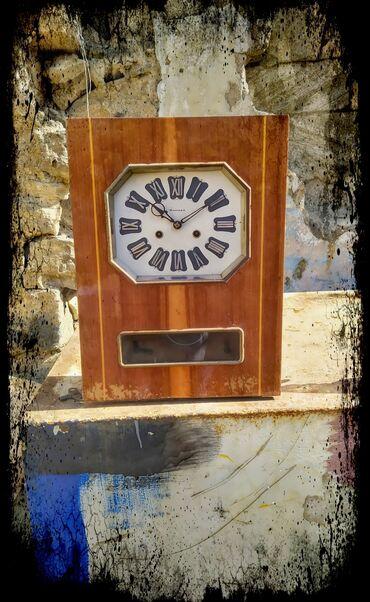 "Klassik saat ""Янтарь"" üstünün makyaja ehtiyacı var klassikayla"