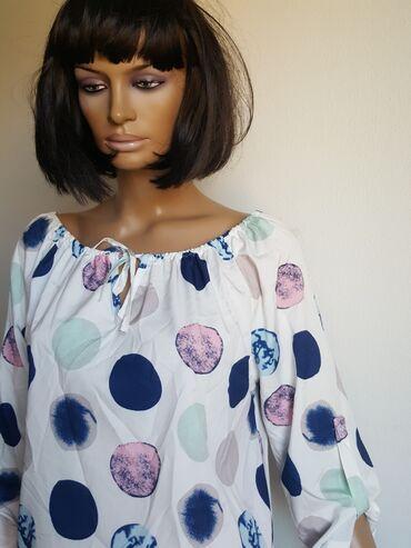 Ženska odeća   Jagodina: XL Bluza sa spustenim ramenima iz inostranstva kao nova