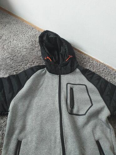 Dobra jakna greje velicina XL