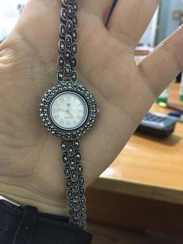 Продаю б/у серебряные часы