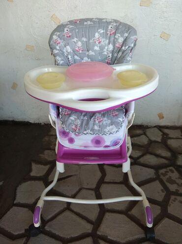 Продаю эксклюзив!!!Надёжный стульчик для кормления с посудой,которая