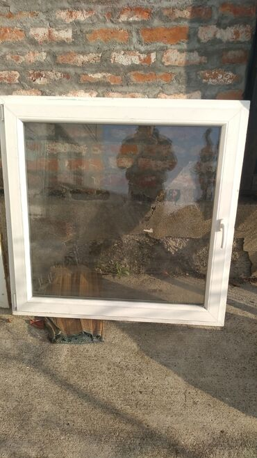 Pvc termo prozor dovezen iz Nemacke Dimenzije 123x121 cm