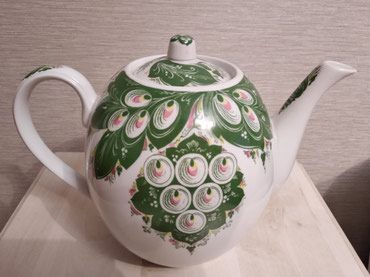 Гигантский фаянсовый чайник , в Бишкек