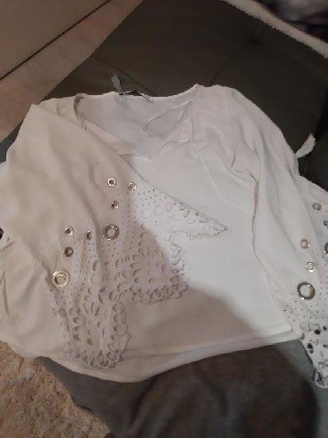 Majica-svecana - Srbija: Guess svecana majica
