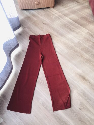 Тёплые брюки-клеш Ни разу не носила  Абсолютно новые в этом вы можете