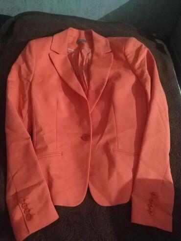 Женский пиджак в отличном состоянии размер 44-46