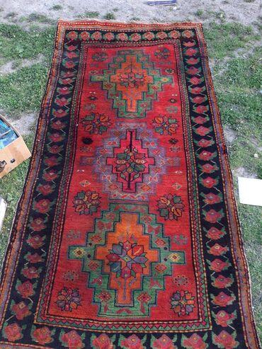 oguz - Azərbaycan: Toxunma xalca 1976 ci ilde toxunub elde. Tebii boyalardan istifade edi