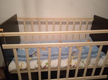 бу детские кроватки в Кыргызстан: Продаю детскую кроватку-трансформер, с маятниковым механизмом, комодом
