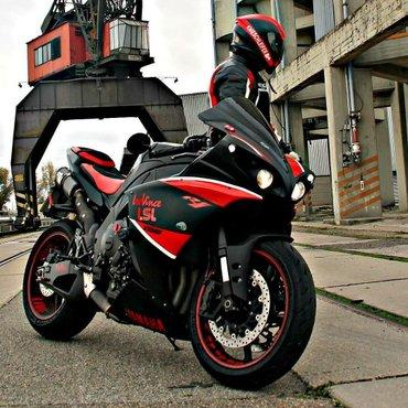 Bakı şəhərində Her kesi Azerbaycanin en boyuk motosiklet suruculuk kursuna devet edir