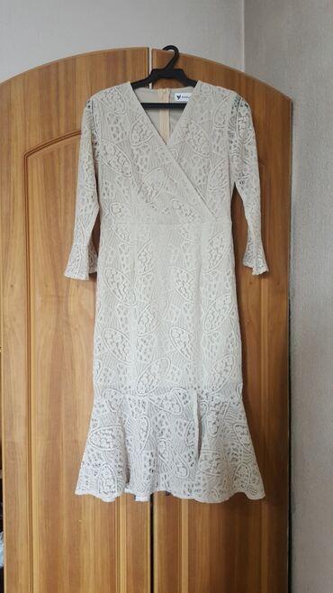 повседневное платье из бархата в Кыргызстан: Платье кружевное НОВОЕ размер M-L 44-46