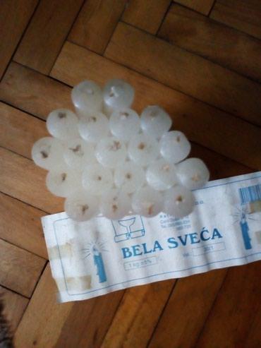 Bele svece pakovanje od 20kom ili 1 kilogram. Cena za sve je 15 din - Sremska Mitrovica