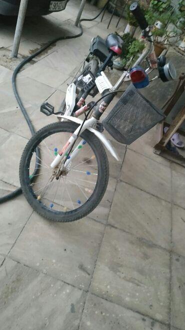 Salam velosipet tezedir isteyen sekilde nömre yazilib elaqe saxliya