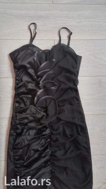 Crna haljina,velicina m,jednom nosena - Odzaci