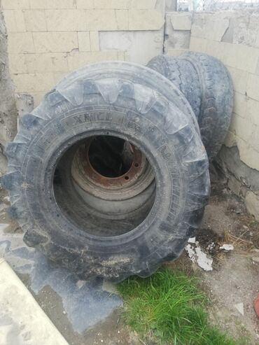 traktor-satiram - Azərbaycan: Traktor Volvo bl 61 plus tekeri satilir 2 eded