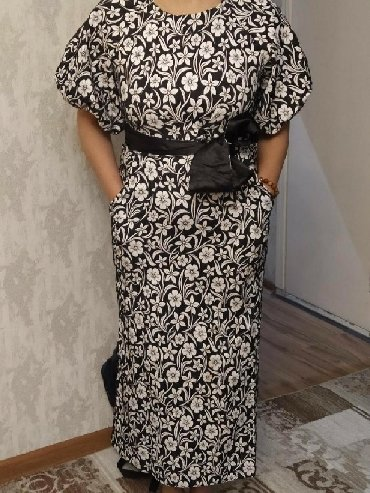 Продаю платье практически новое!( одевали 2раза) размер 46-48( так как