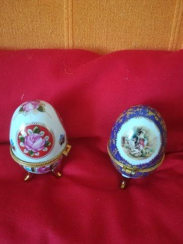Kućni dekor - Vranje: Keramička kutija za jaje a može i za nakit, tipa febriževog jajeta