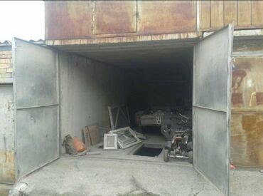 Гаражи - Кыргызстан: Продаю капитальный гараж . Размер гаража 3м на 6м. Есть подвал . Высо