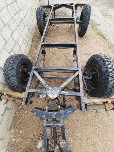 16 elan | NƏQLIYYAT: Pricep traktorçun