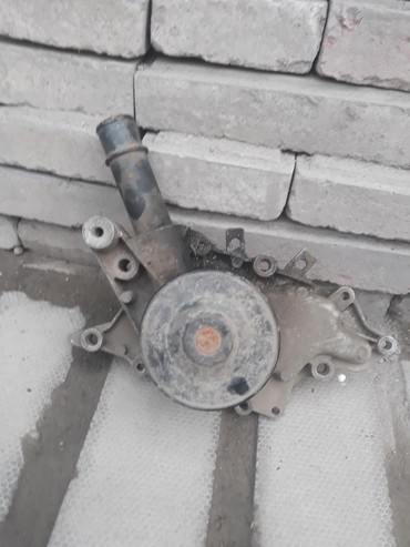 Помпа тойота авенсис D4D в Бишкек