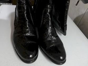 Kozne-cizme-sa-nitnama - Srbija: Kozne cizme sa lakom, djon guma, broj 40
