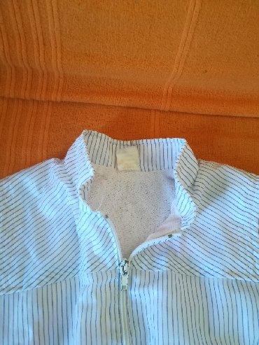 Dečije jakne i kaputi | Vranje: Bela jaknica za proleće sa rajfešlusom vel 94, obim ispod pazuha 60